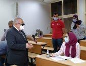 """""""الخشت"""": تأخير امتحانات الفرق النهائية بجامعة القاهرة لتقليل عدوى كورونا.. صور"""