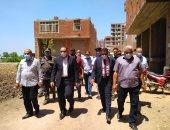محافظ الشرقية يتفقد إزالة البناء المخالف بمنطقة الغشام وأعمال تنفيذ ممشى سياحى