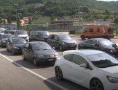 فيديو.. طوابير السياح بالحدود الكرواتية السلوفينية لقضاء العطلات فى ظل كورونا