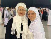 ريهام عبد الغفور تستعيد ذكرياتها مع هبة مجدي بصورة أمام الكعبة