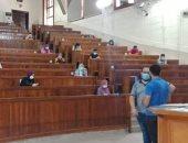 علوم القاهرة تبدأ امتحانات الفرق النهائية وسط إجراءات الوقاية من كورونا.. صور