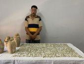 تجديد حبس عامل بالشرقية لحيازته 406 قطع أثرية لبيعها بمليون دولار