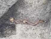 شاهد بقايا الجثة.. جريمة قتل فى إنجلترا عمرها 2000 سنة