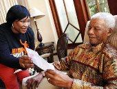 وفاة زيندزى ابنة الزعيم الراحل نيلسون مانديلا عن عمر 59 عاما.. صور