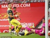 ساوثهامبتون يخطف تعادلًا قاتلًا من مانشستر يونايتد في الدوري الإنجليزي.. فيديو