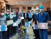 تكريم فرق التمريض المشركة بالعزل الصحى بمستشفيات بنها الجامعية