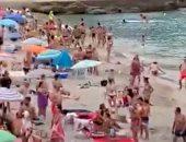 استطلاع: معظم البريطانيين سيلغون رحلاتهم حال الاضطرار لارتداء الكمامات
