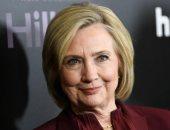هيلارى كلينتون تطالب جونسون بالعمل لمنع تفشى كورونا بالمملكة المتحدة