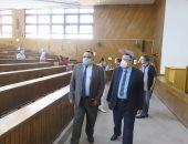 نائب رئيس جامعة الإسكندرية يتفقد أولى أيام امتحانات كلية التربية.. صور