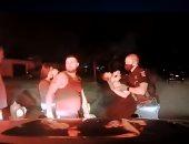 ضابط أمريكى ينقذ رضيعة عمرها 3 أسابيع توقفت عن التنفس فى ميشيجان.. فيديو