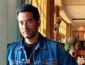 """عمرو سعد: أصور 16 ساعة يوميًا من مسلسل """"عش الدبابير"""" في بيروت"""
