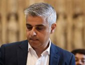 عمدة لندن يدعو مجددا إلى ضرورة ارتداء الكمامات في المتاجر والمحلات والبنوك