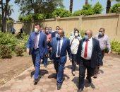 صور.. رئيس جامعة عين شمس يتفقد الامتحانات وأعمال التطوير بكلية الزراعة