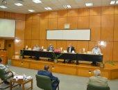رئيس جامعة أسيوط: كورونا ساهم باستبدال الكتب الورقية باسطوانات إلكترونية