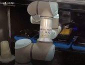 روبوتات حديثة تحضر الطعام والمشروبات بدلاً عن البشر فى مطاعم أمريكا.. فيديو