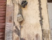 قارئ بالإسكندرية يشكو تهالك توصيلات التليفون الأرضى وعدم تثبيت لوحة توزيع الخطوط