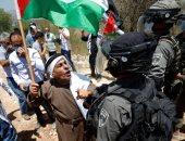 الاحتلال الإسرائيلى يعتدى على مسن فلسطينى شمال الخليل.. ويجرف أراضى بنابلس