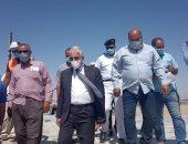 صور.. محافظ جنوب سيناء يتابع المشروعات المقامة على امتداد كورنيش العاصمة