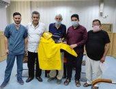 نقابة الأطباء تهدى 50 بدلة عزل واقية للأطقم الطبية بجنوب سيناء