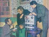 صورة نادرة تجمع عمالقة الزمن الجميل عمر الشريف وعبد الحليم وبليغ حمدى