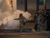 رئيس بلدية بورتلاند الأمريكية يحظر على الشرطة استخدام الغاز المسيل للدموع