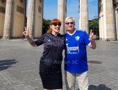 قميص أسوان يصل برلين وعشاق زهرة الجنوب يلوحون بعلامة النصر