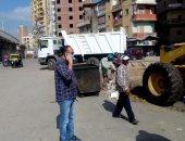 صور.. رئيس حى ثان المحلة يقود حملة نظافة مكبرة بشوارع الحى