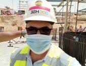 """""""هانى"""".. يشارك صحافة المواطن صورته بالكمامة خلال أدائه لعمله"""