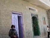 فيديو.. لحظة اقتحام الداخلية لمنزل أشهر تاجر سلاح فى سوهاج
