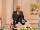 وزير الاتصالات ورئيس العربية للتصنيع يشهدان توقيع اتفاقية تعاون مع فرنسا