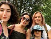 """لينا ابنة أحمد الفيشاوي تلتقي والدتها وشقيقها """"تيتوس"""".. صور"""