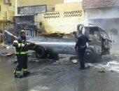 السيطرة على حريق شب في سيارة محملة بالإسفنج في قرية حسن فتحى بالأقصر.. صور