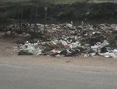 سيبها علينا .. شكوى من انتشار القمامة بمنطقة خط البحر بالزاوية بالشرقية