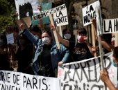 عشرات النساء يتظاهرن فى باريس ضد وزير الداخلية بعد إدانته فى قضية اغتصاب