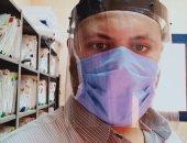 """الجيش الأبيض.. """"عماد"""" مسئول الترصد بمستشفى حميات كفر الدوار فى مواجهة كورونا"""