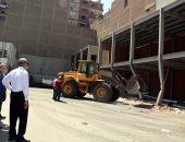 محافظ القليوبية يحيل موظفي التنظيم بشرق شبرا للتحقيق للتراخى في مخالفات البناء