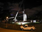 سلطات شيكاغو الأمريكية تزيل تمثالين لكريستوفر كولومبوس.. فيديو