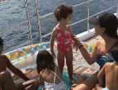 جورجينا رودريجيز تصطحب أطفالهما فى رحلة بحرية بدون كريستيانو رونالدو.. صور
