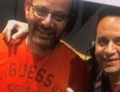 """مصطفى قمر يسجل أغنية """"مسافر"""" ضمن ألبومه الجديد مع شقيقه ياسر.. فيديو"""