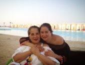 """أحدث ظهور للفنانة بوسى برفقة ابنتها مى نور الشريف: """"أمى و صحبتى"""""""