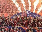 ليفربول يواصل احتفالاته بلقب الدورى بصورة لنجوم الريدز يتوسطهم محمد صلاح