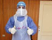 """الجيش الأبيض.. """"محمود"""" أخصائى تمريض بمستشفى جامعة المنصورة على خط مواجهة كورونا"""
