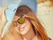 3 تأثيرات ضارة للشمس على شعرك.. تعرفى على طرق حمايته