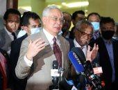 السجن 12 عاما وغرامة لرئيس وزراء ماليزيا السابق بسبب إساءة استغلال السلطة.. صور
