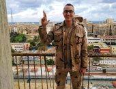"""كلنا جيش مصر.. """"عبدالله"""" من محافظة المنوفية يشارك صورته بالزى العسكرى"""