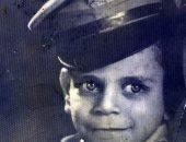 حكاية صورة.. عادل يحكى قصة صورته وهو طفل بالزى العسكرى