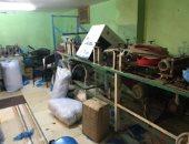 التحفظ على 9 آلاف كمامة مجهولة المصدر بمصنع في الإسكندرية