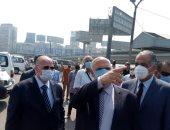 محافظ القاهرة: نبحث عن شخصين تحت الأنقاض طبقا لبلاغ حارس عقار قصر النيل