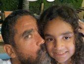 """أمير كرارة يحتفل بعيد ميلاد ابنته """"ليلى"""" بمجموعة صور من مغامراتهما"""