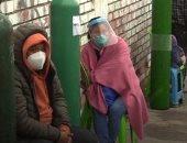 شاحنة تجوب شوارع بيرو لتعبئة أسطوانات أكسجين مرضى كورونا مجانا.. فيديو